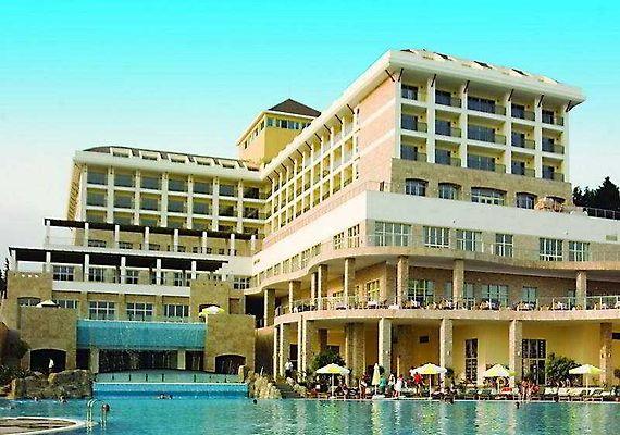 paradise luxury resort